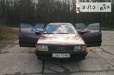 Audi 100 1983 в Долине
