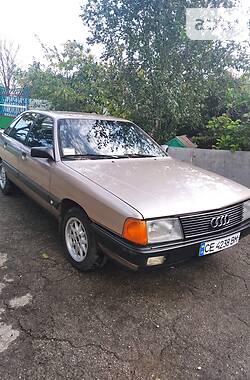 Седан Audi 100 1989 в Кельменцах