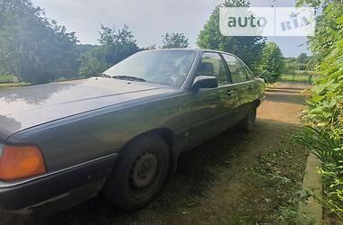 Седан Audi 100 1983 в Моршине