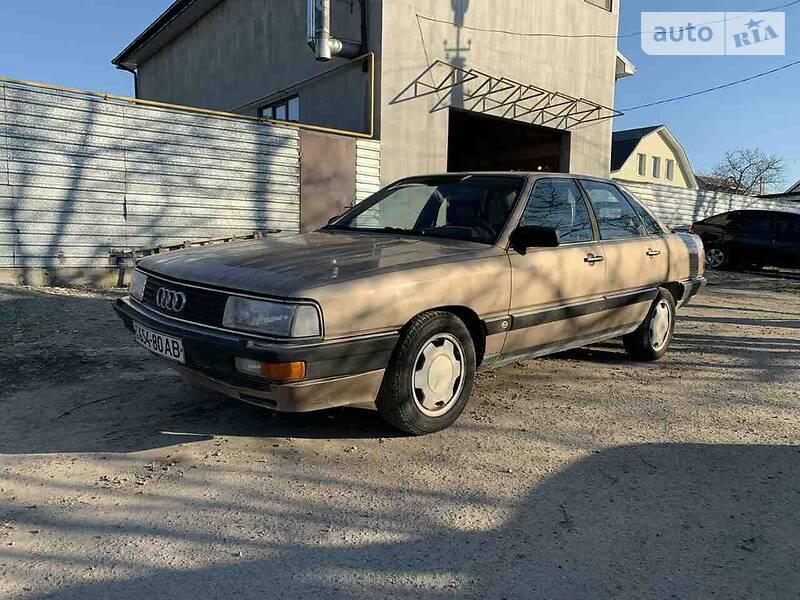 Audi 200 1984 в Днепре