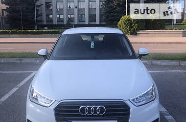 Хэтчбек Audi A1 2015 в Ровно