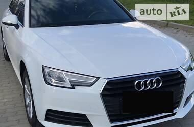 Седан Audi A4 2015 в Львові