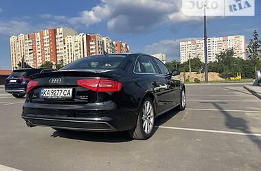 Седан Audi A4 2015 в Киеве