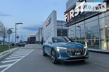Внедорожник / Кроссовер Audi e-tron 2019 в Киеве