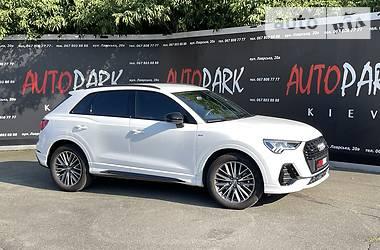 Внедорожник / Кроссовер Audi Q3 2020 в Киеве