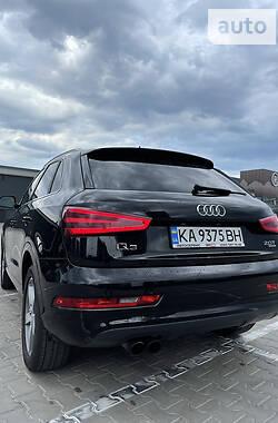 Внедорожник / Кроссовер Audi Q3 2015 в Киеве