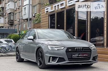 Седан Audi S4 2019 в Киеве
