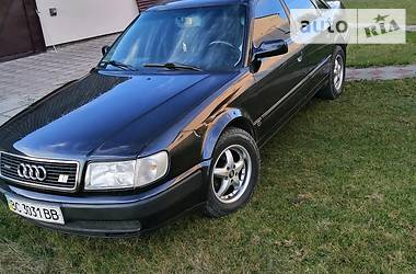 Седан Audi S4 1992 в Золочеве