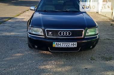 Седан Audi S8 2000 в Волновахе