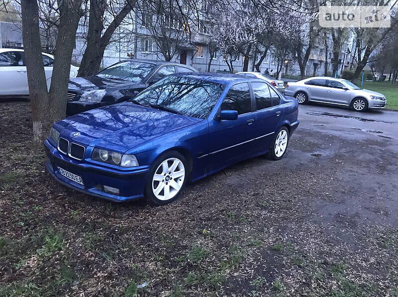 Седан BMW 318 1996 в Киеве