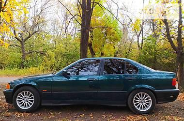 Седан BMW 318 1997 в Алчевську