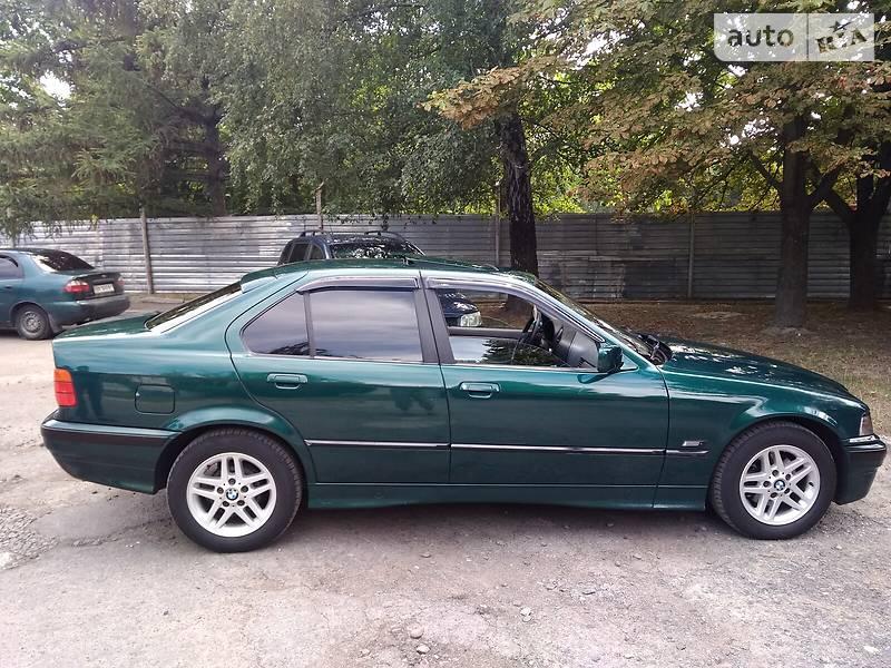 Седан BMW 318 1996 в Луцке