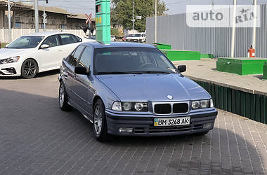 Седан BMW 318 1994 в Києві