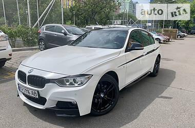 Седан BMW 320 2014 в Киеве