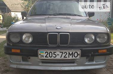 BMW 324 1987 в Хотине