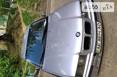 Седан BMW 325 1994 в Киеве