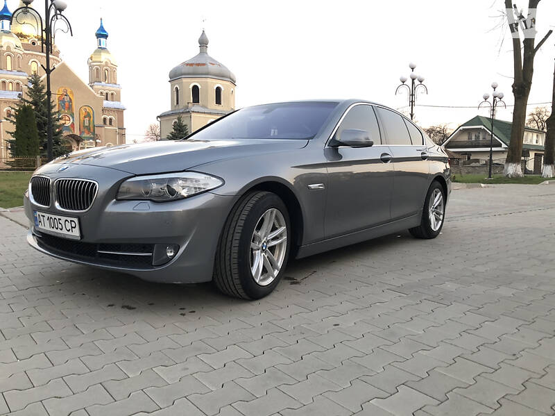 Седан BMW 520 2011 в Стрию