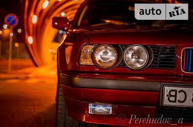 Седан BMW 520 1988 в Днепре