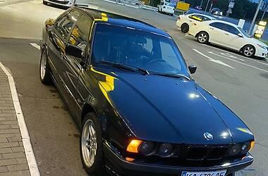 Седан BMW 520 1994 в Киеве