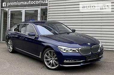 Седан BMW 750 2016 в Киеве