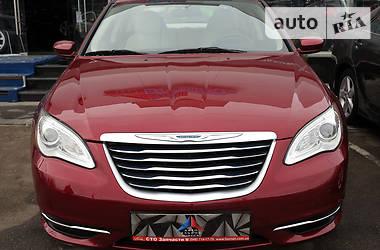 Chrysler 200 2.4i 2013