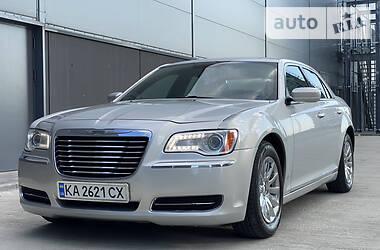 Седан Chrysler 300 C 2012 в Киеве