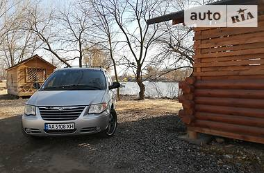 Chrysler Town & Country 2005 в Киеве