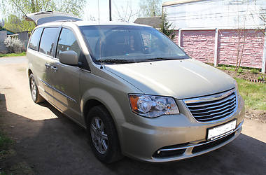 Chrysler Town & Country 2013 в Киеве