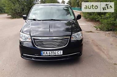 Мінівен Chrysler Town & Country 2014 в Києві