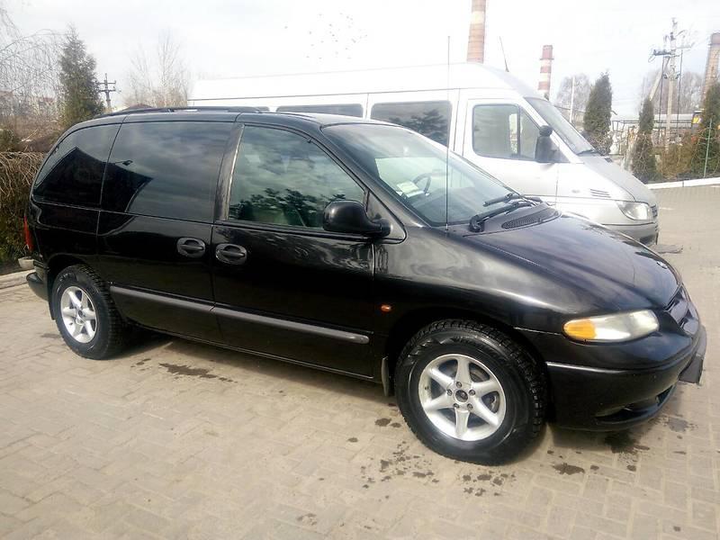 Chrysler Voyager 2000 года