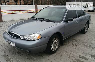 Ford Contour  2000