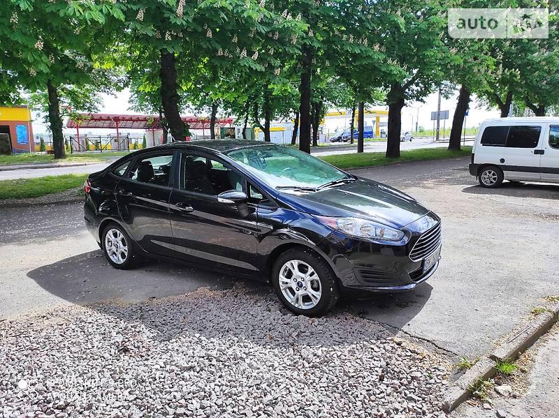 Седан Ford Fiesta 2014 в Ровно