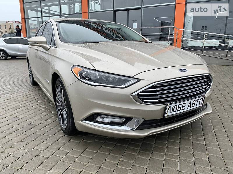 https://cdn0.riastatic.com/photosnew/auto/photo/ford_fusion__353737750f.jpg