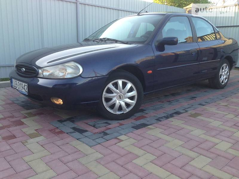 Ford Mondeo 2000 в Луцке