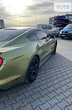 Купе Ford Mustang 2015 в Чернівцях