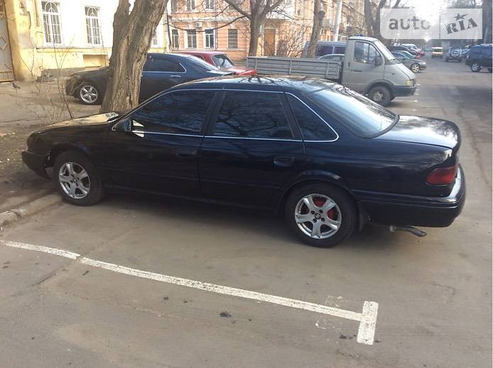 Ford Taurus 1993 в Одессе