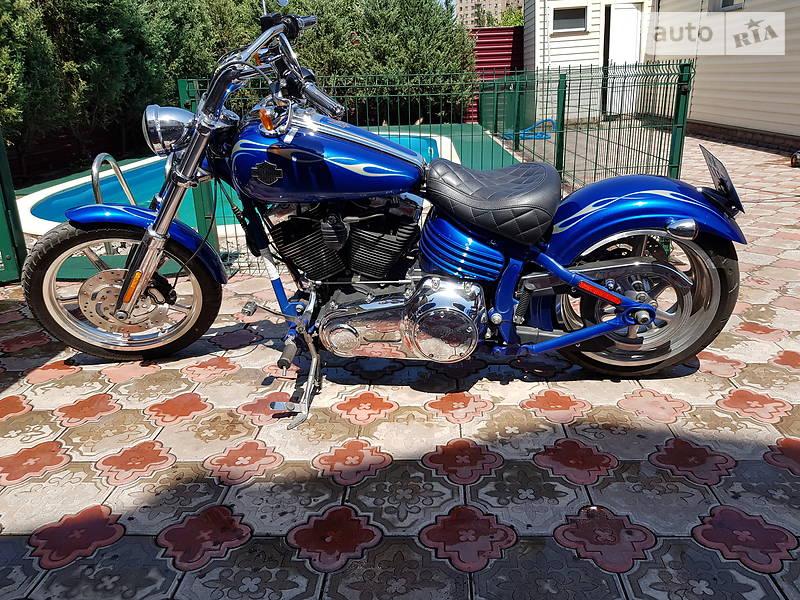Harley-Davidson Rocker C FXCWC
