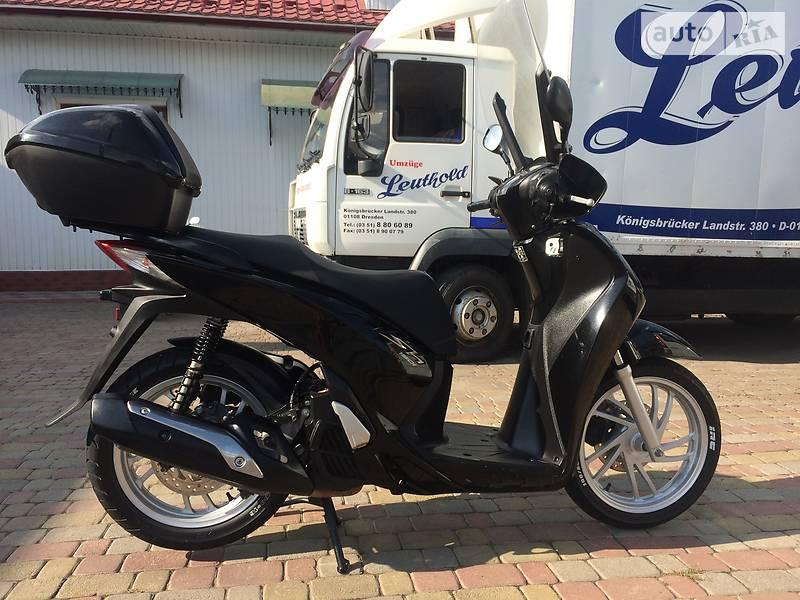 Максі-скутер Honda SH 150 2015 в Городенці