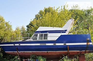Моторная яхта Hydra 2500 VX 2004 в Киеве