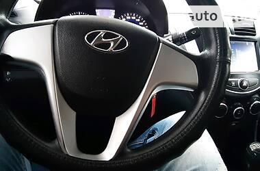 Седан Hyundai Accent 2013 в Волочиську