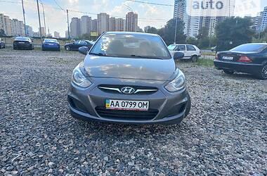 Седан Hyundai Accent 2011 в Киеве