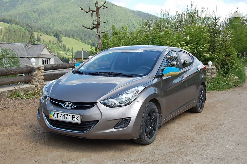 Hyundai Elantra 2013 в Яремче