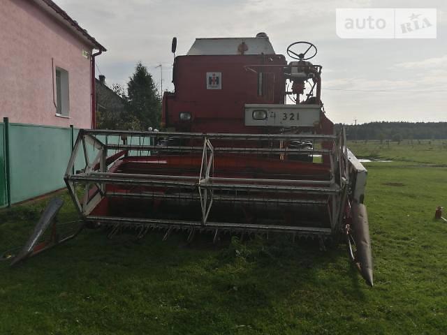Зернова жатка International 321 1984 в Червонограді