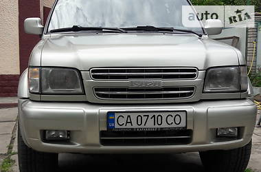 Isuzu Trooper 2000 в Умани