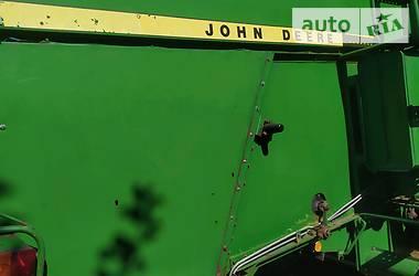 Комбайн зерноуборочный John Deere 942 1982 в Ровно