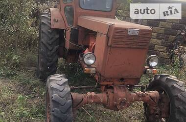 Трактор сельскохозяйственный ХТЗ Т-40АМ 1992 в Ровно