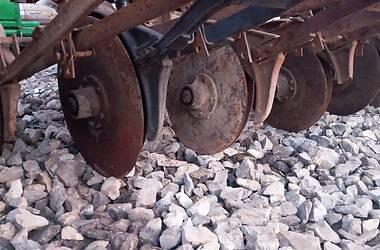 Сеялка сплошного высева механическая Красная звезда СЗ-3,6 1990 в Теребовле