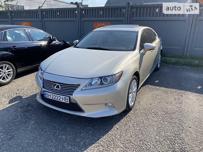 Седан Lexus ES 300h 2013 в Одессе