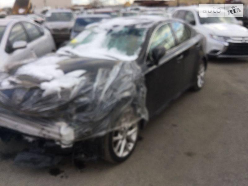 Lexus IS 2012 року