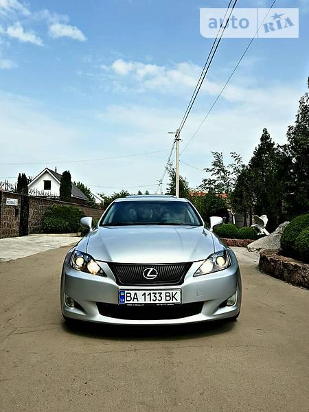 Lexus IS 2006 року